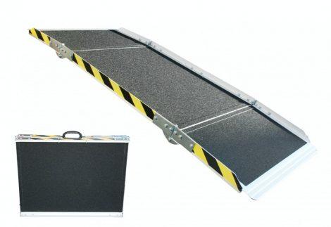 Rakodó rámpa, extra csúszásgátló felülettel,  keresztben több helyen összecsuható 240x755 cm 220 kg